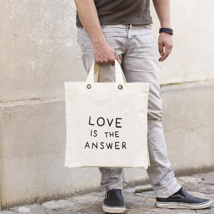 LOVE IS THE ANSWER Tasche